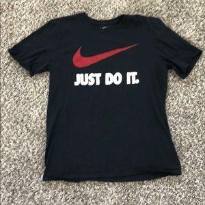 Men's Nike L shirt